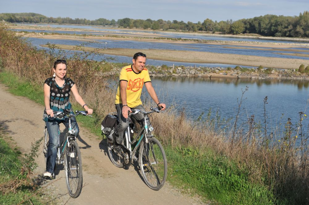 Photo de cyclistes sur les bords de Loire